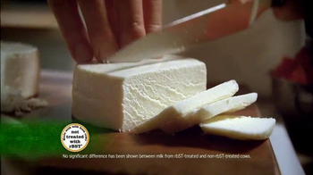 Cacique Queso Fresco TV Spot, 'Traditionally Made' Featuring Aaron Sanchez - Thumbnail 3