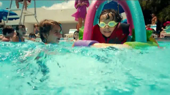 2014 Volkswagen Passat TV Spot, 'Swimming Pool' - Thumbnail 6