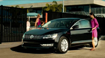 2014 Volkswagen Passat TV Spot, 'Swimming Pool' - Thumbnail 7