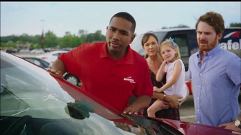 Safelite Auto Glass TV Spot, 'Zoo Mobile Service' - Thumbnail 5