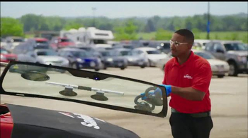 Safelite Auto Glass TV Spot, 'Zoo Mobile Service' - Thumbnail 6