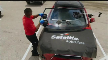 Safelite Auto Glass TV Spot, 'Zoo Mobile Service' - Thumbnail 7