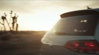 2014 Volkswagen Golf TDI TV Spot, 'Road Trip' - Thumbnail 6
