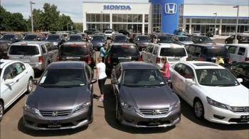 Honda Summer Clearance Event TV Spot, 'Cool Technology: 2014 Civic' - Thumbnail 1