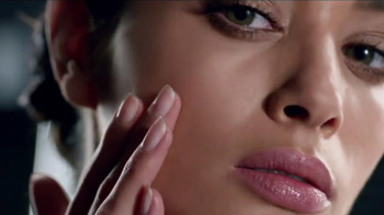 Olay Regenerist Micro-Sculpting Cream TV Spot, 'Wake It Up' - 353 commercial airings