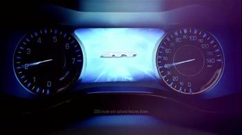2015 Chrysler 200 TV Spot, 'AWD, Horsepower, Style & Safety' - Thumbnail 4