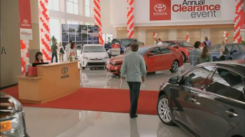 Toyota Annual Clearance Event TV Spot, 'Hurry In' - Thumbnail 2