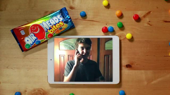 Airheads Bites TV Spot, 'Blue Raspberry Phone Blooper' - Thumbnail 7