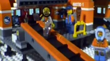 LEGO City Arctic Base TV Spot, 'Secrets of the Crystal' - Thumbnail 7