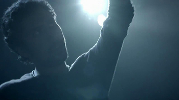 Bose QuietComfort 15 TV Spot, 'Band' - Thumbnail 10
