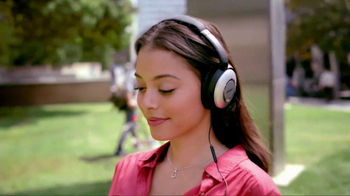 Bose QuietComfort 15 TV Spot, 'Band' - Thumbnail 7