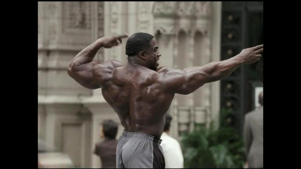 GEICO TV Commercial, 'Bodybuilder Directing Traffic'