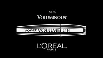 L'Oreal 24-Hour Power Volume Mascara TV Spot Featuring Claudia Schiffer - Thumbnail 3