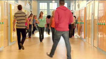Old Navy TV Spot For Back To School Special Featuring Jennie Garth - Thumbnail 4