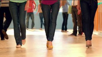 Old Navy TV Spot For Back To School Special Featuring Jennie Garth - Thumbnail 5
