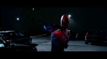 The Amazing Spider-Man TV Spot, 'Newsflash' - Thumbnail 7