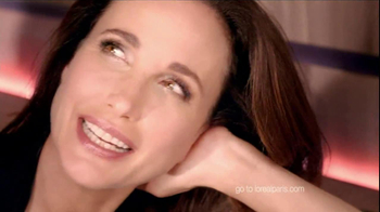 L'Oreal  Revitalift Triple Power TV Spot Featuring Andie MacDowell - Thumbnail 9