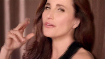 L'Oreal  Revitalift Triple Power TV Spot Featuring Andie MacDowell - Thumbnail 3