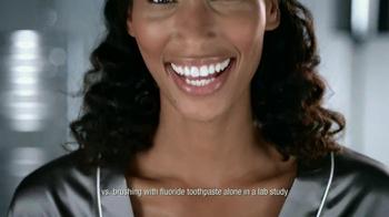 Listerine TV Spot For Whitening Plus Restoring - Thumbnail 9