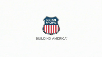 Union Pacific Railroad TV Spot, 'Delivery All Over' - Thumbnail 10