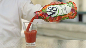 V8 Vegetable Juice TV Spot, 'Balcony' Featuring Jackie Chan - Thumbnail 5