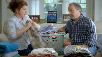 Tide TV Spot, 'Triplets Home from College' - Thumbnail 2