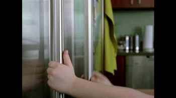 Clorox TV Spot, 'Free To Touch' - Thumbnail 5