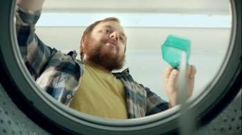 Gain Detergent TV Spot, 'Revolving Door' - Thumbnail 3