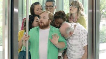 Gain Detergent TV Spot, 'Revolving Door' - Thumbnail 5
