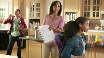 Carnation Breakfast Essentials TV Spot Featuring Holly Robinson Peete - Thumbnail 7