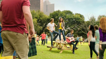 Lipton TV Spot For Tea & Honey Packets Featuring Lady Antebellum - Thumbnail 8