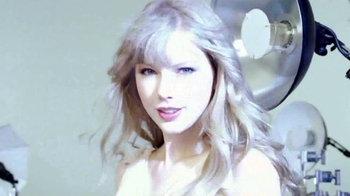 CoverGirl Clean Makeup TV Spot, 'Who Are You?' Featuring Taylor Swift - Thumbnail 4
