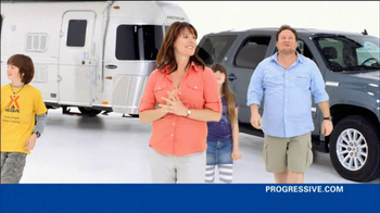 Progressive TV Spot, 'Awkward Family Photo' - Thumbnail 2