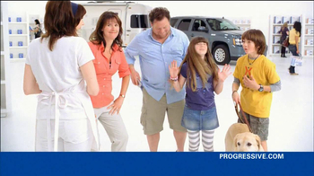 Progressive TV Spot, 'Awkward Family Photo' - Thumbnail 7