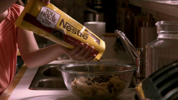 Nestle Toll House TV Spot For Chocolate Chip Cookies - Thumbnail 6
