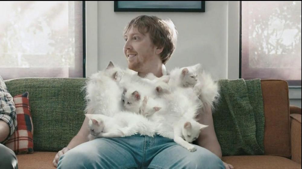 Hanes Comfort Blend T-Shirt TV Commercial, 'Kitten Shirt' Feat. Michael Jordan