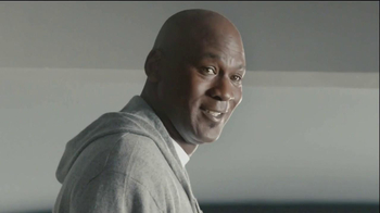 Hanes Comfort Blend T-Shirt TV Spot, 'Kitten Shirt' Feat. Michael Jordan - Thumbnail 9