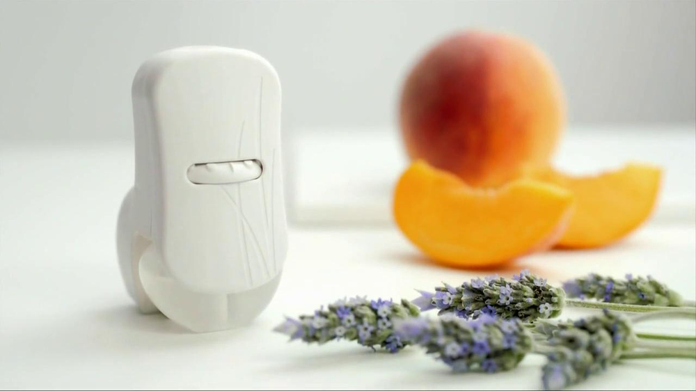 Glade Plug-in Scented Oils TV Spot