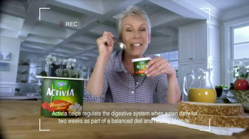 Activia Breakfast Blend TV Spot Featuring Jamie Lee Curtis - Thumbnail 9