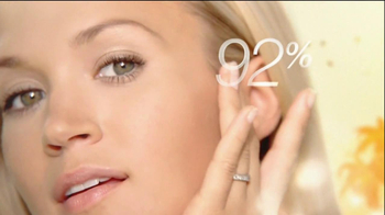 Olay TV Spot Olay Complete Featuring Carrie Underwood - Thumbnail 8