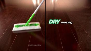 Swiffer 2-In-1 Sweeper TV Spot, 'Water Gun Fight' - Thumbnail 6