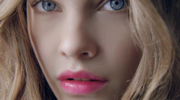 L'Oreal Colour Caresse TV Spot - Thumbnail 1