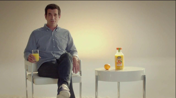Minute Maid Pure Squeezed TV Spot, 'Orange Turn' Featuring Ty Burrell - Thumbnail 4