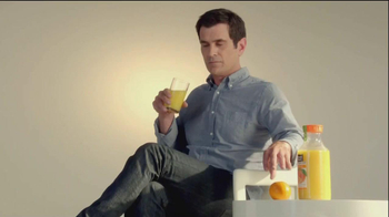 Minute Maid Pure Squeezed TV Spot, 'Orange Turn' Featuring Ty Burrell - Thumbnail 6