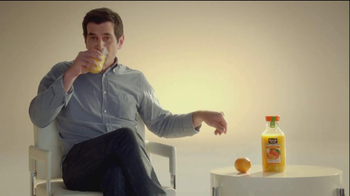 Minute Maid Pure Squeezed TV Spot, 'Orange Turn' Featuring Ty Burrell - Thumbnail 7