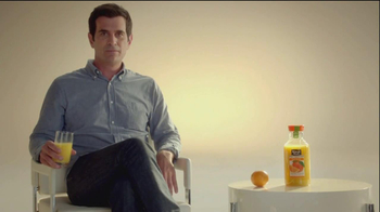 Minute Maid Pure Squeezed TV Spot, 'Orange Turn' Featuring Ty Burrell - Thumbnail 9