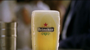 Heineken TV Spot, 'The Switch' Song by Clairy Browne - Thumbnail 10