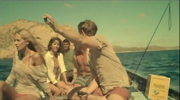 Cerveza Pacifico TV Spot, 'Bottlecap' Song by Alfred Hall - Thumbnail 2