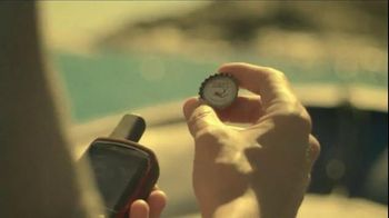Cerveza Pacifico TV Spot, 'Bottlecap' Song by Alfred Hall - Thumbnail 3