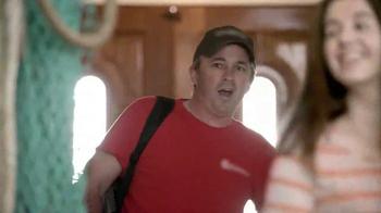 Febreze Air Effects TV Spot, 'The Smelliest Catch' - Thumbnail 5